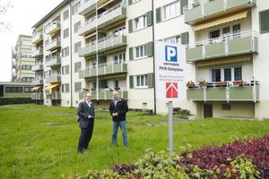 """<div class=""""bildtext_1"""">Baugenossenschaft Familienheim Lörrach, Gebäude mit 30 Wohnungen. Unter der Grünfläche wurde ein 45 m³ fassender Pelletsspeicher installiert.<br />Foto: König </div>"""