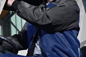 """<div class=""""bildtext_1"""">Ergänzende Kollektionsteile für die kalte Jahreszeit – hier die Pilotjacke mit Webpelzfutter aus der Kollektion """"Fristads Kansas Icon Two"""".</div>"""