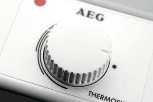 """<div class=""""bildtext_1"""">Küchenhighlight: Das effiziente Kochendwassergerät AEG """"Thermofix KL"""" bringt auch geringe Wassermengen energiesparend und sicher zum Kochen. </div>"""