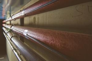 """<div class=""""bildtext_1"""">Auch im Außenbereich und in der Tiefgarage ist alles durchdacht: Selbstlimitierende elektrische Rohrbegleitheizungen von AEG Haustechnik sorgen im Winter dafür, dass bei Frost und Schneeschmelze keine Schäden durch Vereisung entstehen. </div>"""