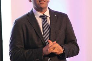 """<div class=""""bildtext_1"""">Daikin-Geschäftsführer Gunther Gamst begrüßte die Teilnehmer der LAC. </div>"""