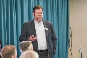 """<div class=""""Bildtext 1"""">Markus Günther-Hirn, WDV-Molliné GmbH, erläuterte den Vorteil durchdachter Messtechnikkonzepte. </div>"""