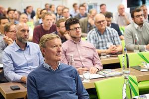 """<div class=""""Bildtext 1"""">Teilnehmer des Fachforums in Leverkusen</div>"""