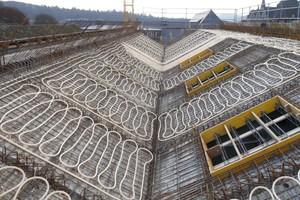 """<div class=""""bildtext_1"""">Gemeinsames Heiz- und Kühlsystem für ein Dachgeschoss. </div>"""