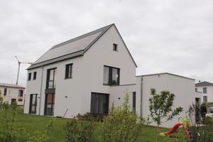 """<div class=""""bildtext_1"""">Geheizt und gekühlt mittels Erdwärme: Einfamilienhaus in Gerolzhofen. </div>"""