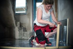 """<div class=""""bildtext_1"""">Als Auszubildende im Handwerk wirbt Madita Brauer #fürmehrfrauen<br />imhandwerk </div>"""