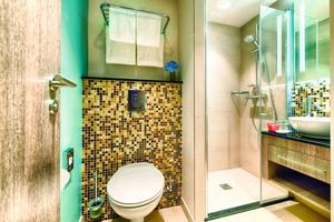 """<div class=""""bildtext_1"""">Eine komfortable und wirtschaftliche Badausstattung ist für den Hotelbetrieb entscheidend.</div>"""