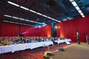 """<div class=""""bildtext_1"""">Auch bei der dritten Auflage des Deutschen Fachkongresses für Absturzsicherheit kamen wieder knapp 300 Planer, Bauausführende, Handwerker und Betreiber zur Veranstaltung.</div>"""
