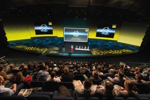 """<div class=""""bildtext_1"""">Allein das Viega-Symposium in München lockte über 300 Planer und planende Fachhandwerker an. </div>"""