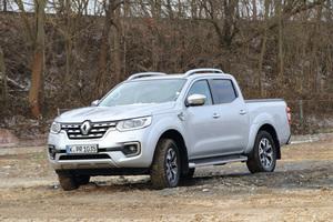 """<div class=""""bildtext_1"""">Unser Testwagen: Der """"Renault Alaskan"""" mit 140 kW starkem dCi Twin-Turbo-Diesel ermöglicht eine Zuladung von bis zu 932 kg und zieht eine Anhängelast von bis zu 3,5 t. </div>"""