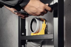 """<div class=""""bildtext_1"""">Das """"Prevista Dry WC""""-Element ist schon serienmäßig um 6 cm höhenverstellbar. So kann nach der Montage des Vorwandelements die Höhe des WCs individuell nach Kundenwunsch angepasst werden.</div>"""