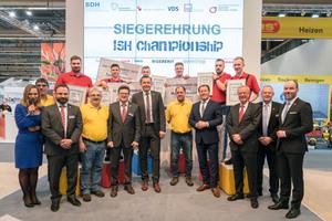 """<div class=""""bildtext_1"""">ISH-Championship 2019: Die sechs Teilnehmer im Kreis der Veranstalter und Sponsoren. </div>"""