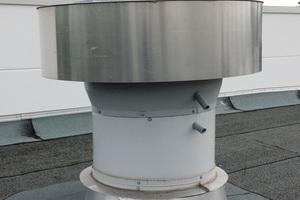 """<div class=""""bildtext_1"""">Außenansicht: Das Dachgerät kann in flache oder geneigte Dächer eingebunden werden. </div>"""