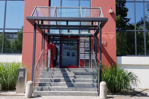 """<div class=""""bildtext_1"""">Das neue JUudo Verkaufsbüro befindet sich in Unterschleißheim und punktet unter anderem mit einer optimalen Verkehrsanbindung. <br /> </div>"""
