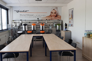 """<div class=""""bildtext_1"""">Das neue Büro des Judo Verkaufsteams Bayern Süd verfügt über einen großen Schulungsraum, der mit moderner Technik ausgestattet ist. </div>"""