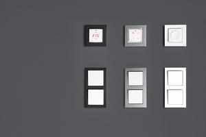 """<div class=""""Bildtext 1"""">Für eine perfekte Optik zwischen Thermostat, Lichtschalter und Steckdose lässt sich der in drei Versionen verfügbare Icon problemlos in viele gängige Schalterrahmen einpassen.</div>"""