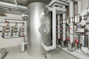 """<div class=""""bildtext_1"""">Die Frischwarmwasserstation """"TacoTherm Fresh Peta X"""" bezieht die benötigte Primärenergie direkt aus dem Pufferspeicher der Heizungsanlage. Die Station ersetzt die Bevorratung von Trinkwarmwasser in einem zusätzlichen Speicher und bietet somit einen hohen Schutz vor Legionellen.</div>"""