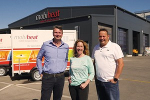 Mobiheat Gründer Andreas Lutzenberger (links) und Helmut Schäffer Mit der neuen Geschäftsführerin der mobiheat Schweiz, Manuela Hunziker.