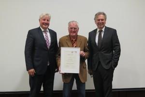 v. l. n. r.: LIM E. Schulz, Ehrenmitglied P. Leutner, HGF Dr. W. Schwarz