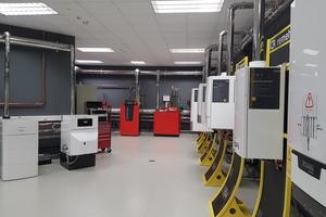 Auch das neue Schulungszentrum in Parsdorf bei München bietet Theorie und Praxis an aktuellen Geräteserien.