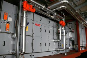 """<div class=""""bildtext_1"""">Sechs vormontierte Zentrallüftungs- und Klimageräte samt den entsprechenden Werkzeugen und Geräten für Anschluss- und Installationsarbeiten wurden in die Antarktis geliefert. </div>"""