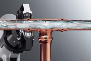 """<div class=""""bildtext_1"""">Pressverbinder, hier für eine typische Trinkwasser- oder Heizungsinstallation aus Kupferrohr, müssen die Zwangsundichtheit im unverpressten Zustand nachweisen.</div>"""