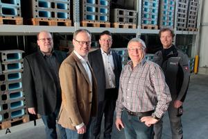 """<div class=""""bildtext_1"""">Das Entwicklungsteam """"Via Vento S"""" hat das Lüftungs-System so konzipiert, dass es für Bauherren, Bauträger, Bauunternehmer und Heizungsinstallateure viele Vorteile bietet. V. l. n. r.: Jürgen Böhm, Markus Schulte, Holger Lanz, Josef Beck und Alexander Wimmer.</div>"""
