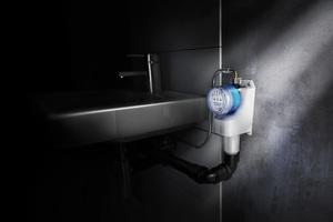 """<div class=""""bildtext_1"""">Eine Option für die Aufrechterhaltung des bestimmungsgemäßen Betriebs ist die Nachrüstung einer automatisierten Spüleinrichtung, wie die Geberit Hygienespülung """"Rapid"""".</div>"""