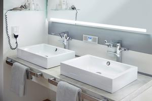 """<div class=""""bildtext_1"""">Fast jeder Zweite (48 %) hat sich schon mal an der Hotelrezeption über Mängel im Badezimmer beschwert und mehr als jeder Dritte (36 %) hat sich aufgrund schlechter Bewertungen des Bads bereits gegen ein Hotel entschieden.</div>"""