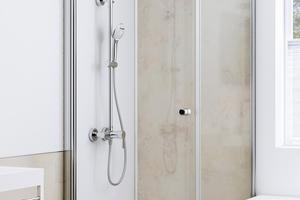 """<div class=""""bildtext_1"""">Eine neue Dusche neben der Badewanne, schnell installiert Dank der """"DecoMotion"""" Rückwände.</div>"""