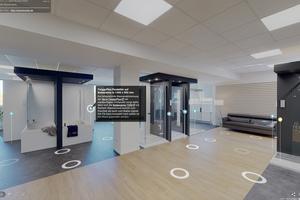 """Bei der für ihr Design ausgezeichneten Duschabtrennung """"TwiggyPlus"""" im unteren Preissegment öffnet sich im virtuellen Showroom ein Informationsfeld, das einen Link zum Download der Prospektunterlagen enthält."""