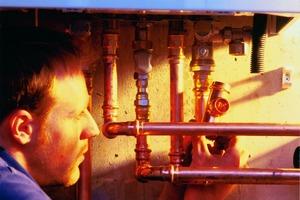 """<div class=""""bildtext_1"""">Bauteile aus Kupfer und seinen Legierungen erfüllen im Gegensatz zu anderen Werkstoffen in der Technischen Gebäudeausrüstung die strengen Kriterien für das nachhaltige Wirtschaften im 21. Jahrhundert. </div>"""