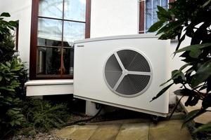 """<div class=""""bildtext_1"""">Mehr Wohnkomfort bei geringeren Heizkosten und etwas für den Klimaschutz tun: Das war für Hausherr Otto Ruf Antrieb genug, bei der Heizungsmodernisierung auf eine Wärmepumpe von Stiebel Eltron zu setzen.</div>"""