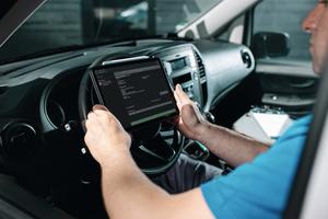 """<div class=""""bildtext_1"""">Ob iOS oder Android, die Servicetechniker sind bei HGZ jederzeit informiert. </div>"""