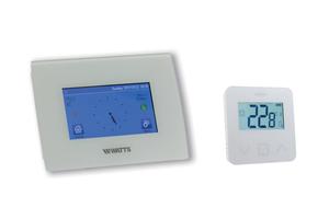 "<div class=""bildtext_1"">Bequem zur Wunschtemperatur: Der Watts ""Vision Raumtemperaturregler BT-CT02-RF Wifi"" mit kapazitivem Touchscreen und Funk-Raumthermostat ""BT-D03 RF GT"".</div>"
