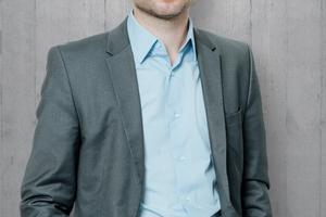 """<div class=""""bildtext_1"""">Sven R. Becker ist im Vorstand der imc AG, wo er die Bereiche Marketing &amp; Communications, Sales DACH und Content Services verantwortet.</div>"""