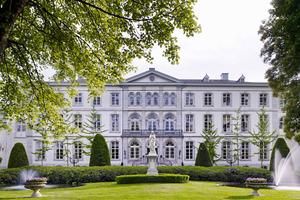 """<div class=""""bildtext_1"""">Das Hotel Kasteel Bloemendal wurde 1791 erbaut und 1990 renoviert.</div>"""