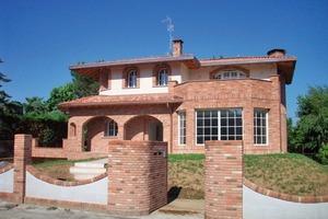 """<div class=""""bildunterschrift_ueberschrift"""">Bild 1</div>Mediterranes Zweifamilienhaus mit Fußbodenheizung /-kühlung<br />"""