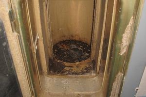 Verstopfung<br /> Tote Vögel in benutzten Schornsteinen