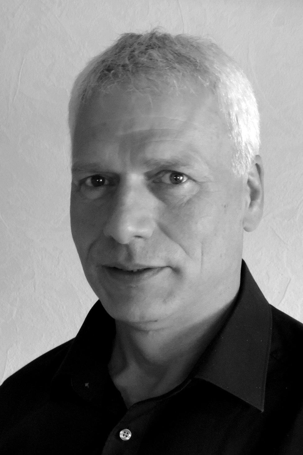 <b>Lothar Kuhn</b> (54) unterstützt Zewotherm als Planerberater im Gebiet West ab ... - 84644032_b9c9369fbc