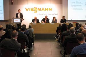 "<div class=""Bildtext 1"">Ulf Jacobshagen, Manfred Greis, Dr. Frank Voßloh, Dr. Herlind Gundelach, Thorsten Herdan (v.l.n.r)</div>"