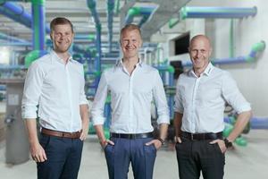 Christof, Maik und Dirk Rosenberg (v.l.) leiten das Familienunternehmen aquatherm und freuen sich über die Listung im Weltmarktführer-Index.