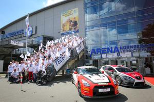 Aus ganz Deutschland kamen 350 begeisterte Planer und Handwerker an den Norisring, um das Tece MRS-Racing Team zu unterstützen.