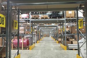 2000 m² Bürofläche, 8000 m² Lager – das sind die Ausmaße des neuen Firmengeländes.